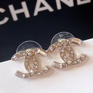 Chanel CC Earrings with box